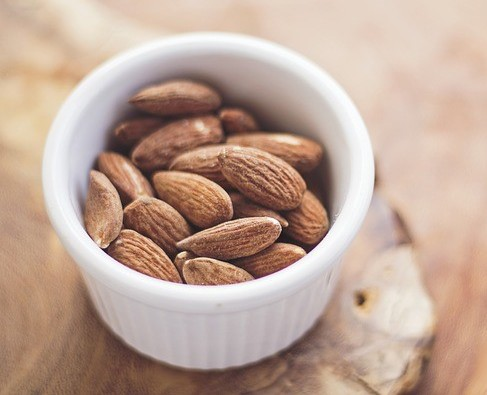 heartburn relief during pregnancy - raw almonds