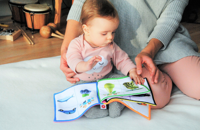 Fun things to do with your baby at home - read books